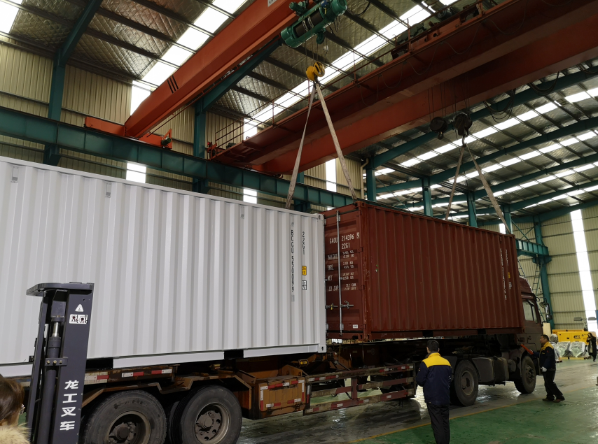 Lees Delivered generators to DUBAI